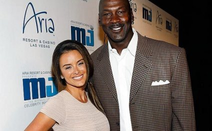Air Jordan and his new wife of